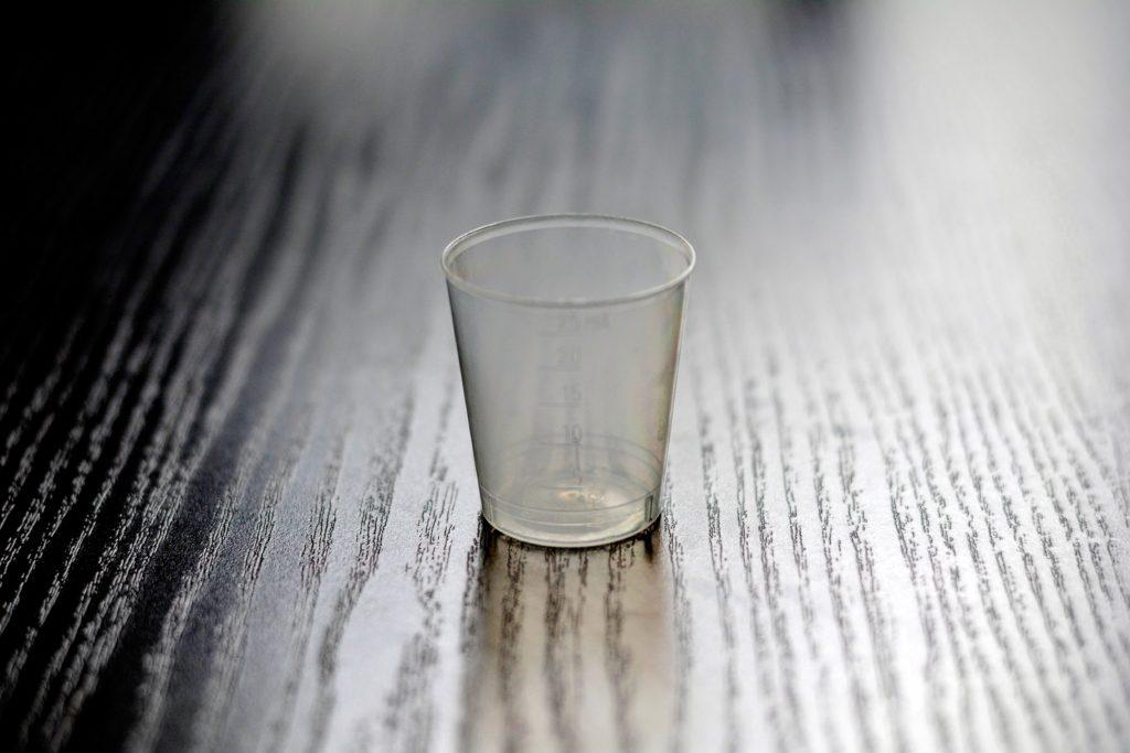 Alternatywne metody karmienia – kubeczek