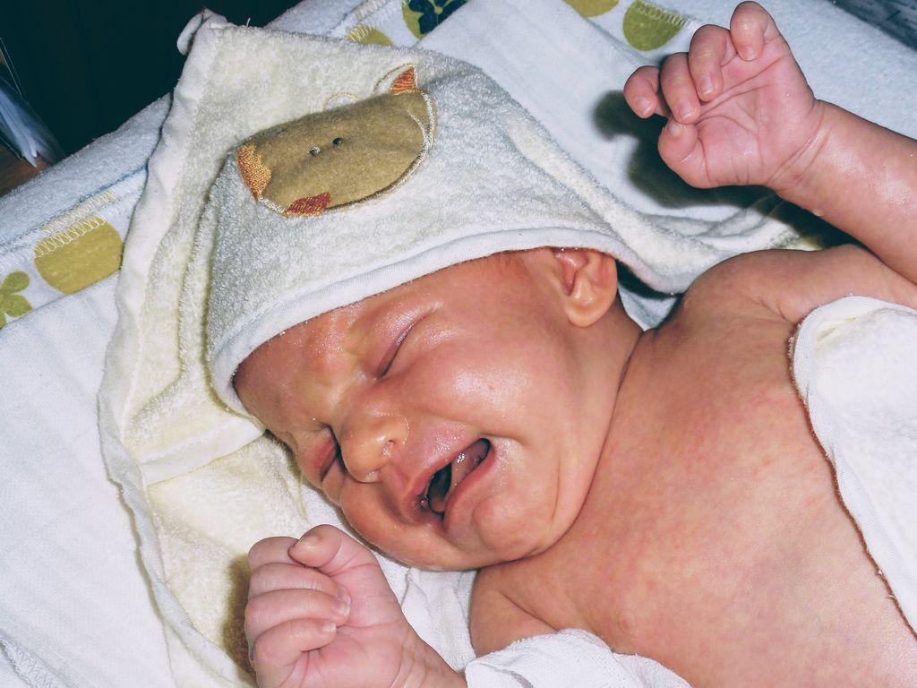Dlaczego niemowlę płacze?